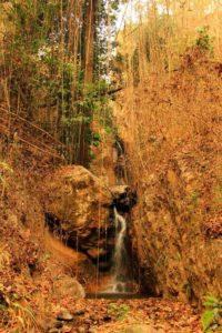 Водопад в парке Мэ Сурин