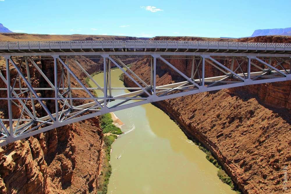 Река Колорадо и мост Навахо