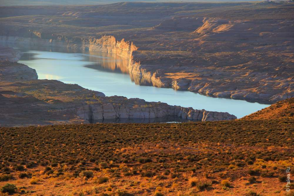 Озеро Пауэлл в Глен-Каньоне США