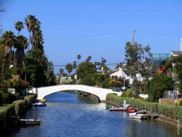 Канал в Венисе, район в Лос-Анджелесе