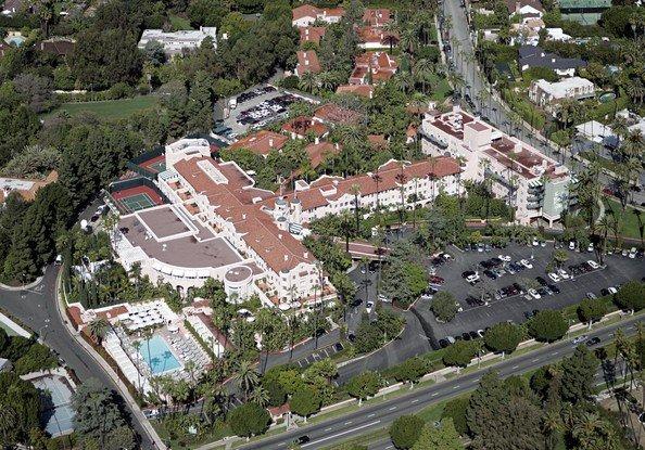 Территория отеля Беверли-Хиллз 5 звезд
