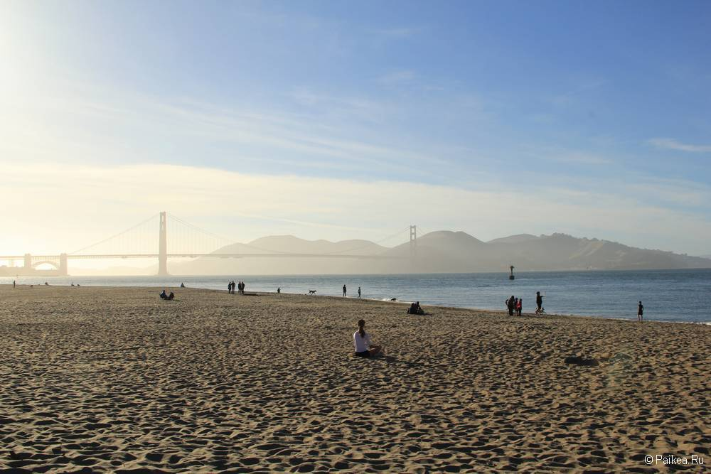 Мост Золотые Ворота в Сан-Франциско Crissy Field