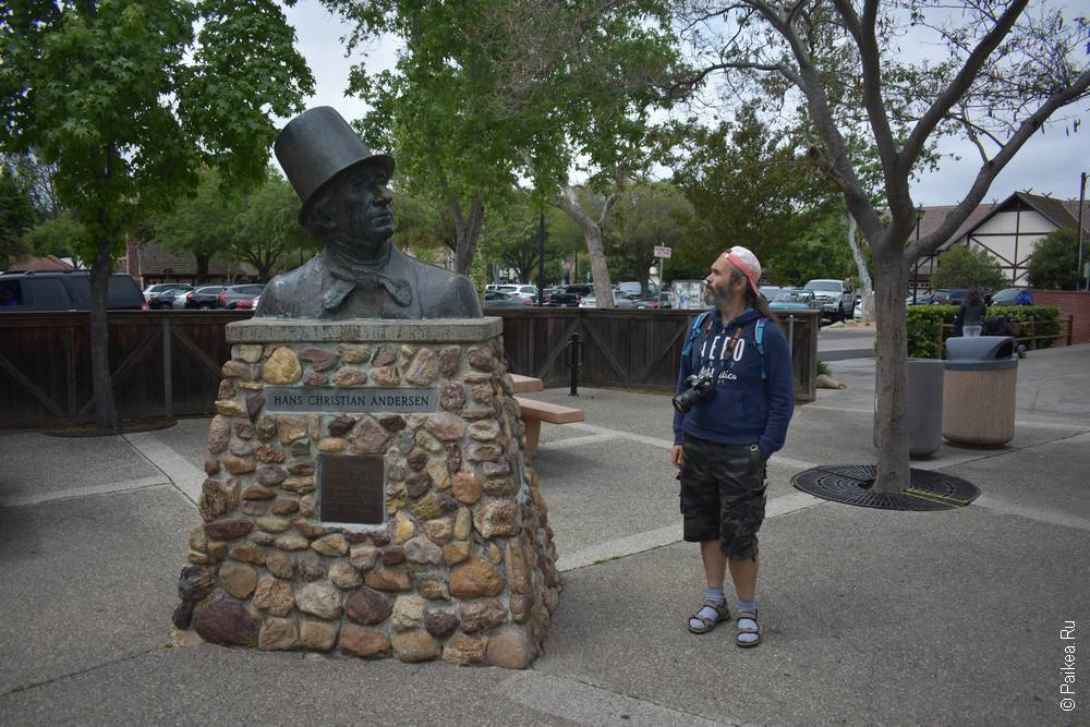 Памятник Андерсену Солванг Калифорния США