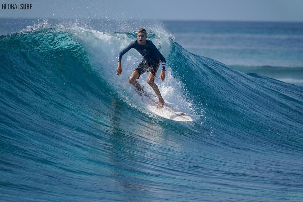 Мальдивы серфинг 04