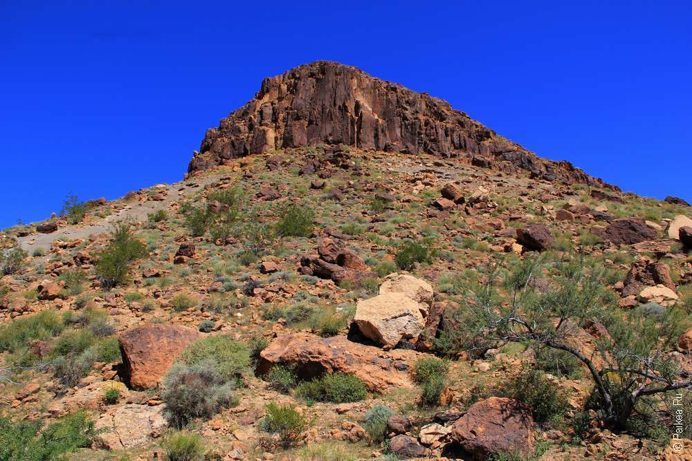 Гора в пустыне Мохаве США