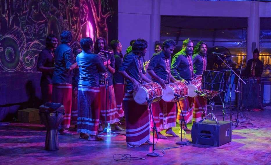 Бандос Мальдивы праздник