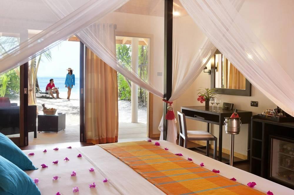 Мальдивы отель с домашним рифом vilamendhoo