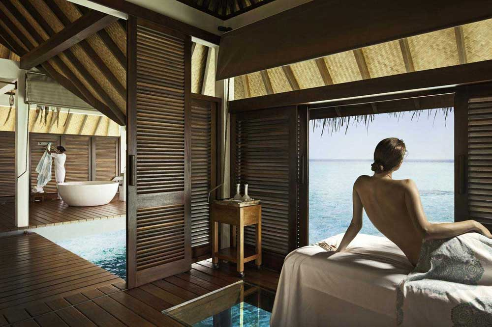 Отель Four Seasons Landaa Giraavaru на Мальдивах