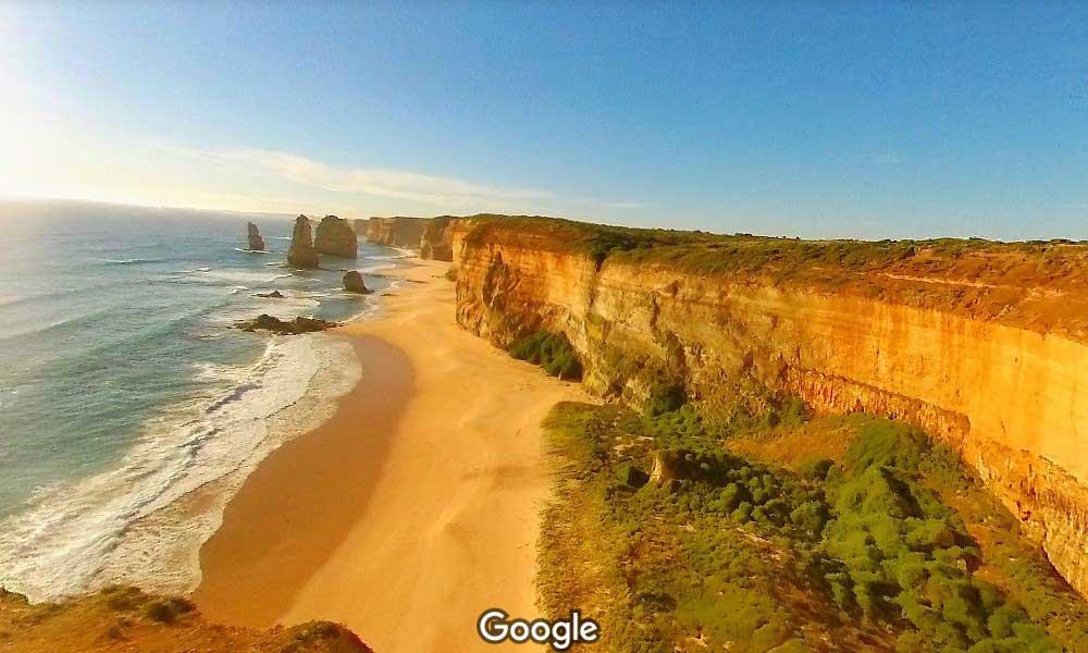 Красивая дорога на побрежье Австралии