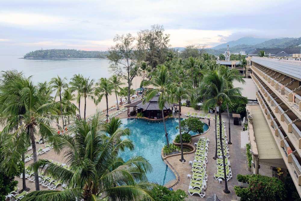 Отель на Пхукете с собственным пляжем Beyond Resort Kata