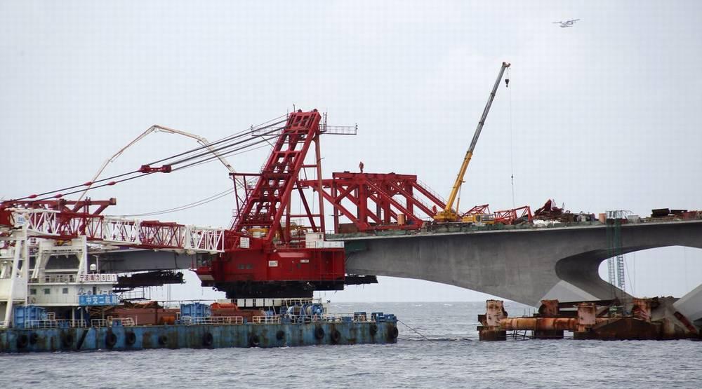 Строительство моста на Мальдивах