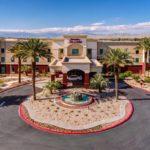 Отель в Палм Спрингс - Hampton Inn & Suites