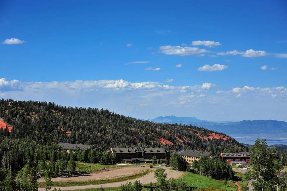 Сидар Брейкс лодж (Cedar Breaks Lodge)