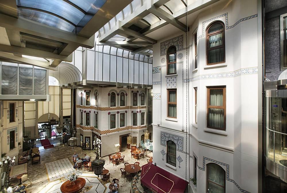 Отели Стамбула Crowne Plaza