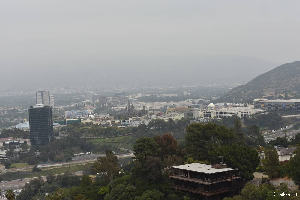 Universal City Overlook на Малхолланд Драйв - бесплатная смотровая площадка с панорамным видом на Лос-Анджелес 4