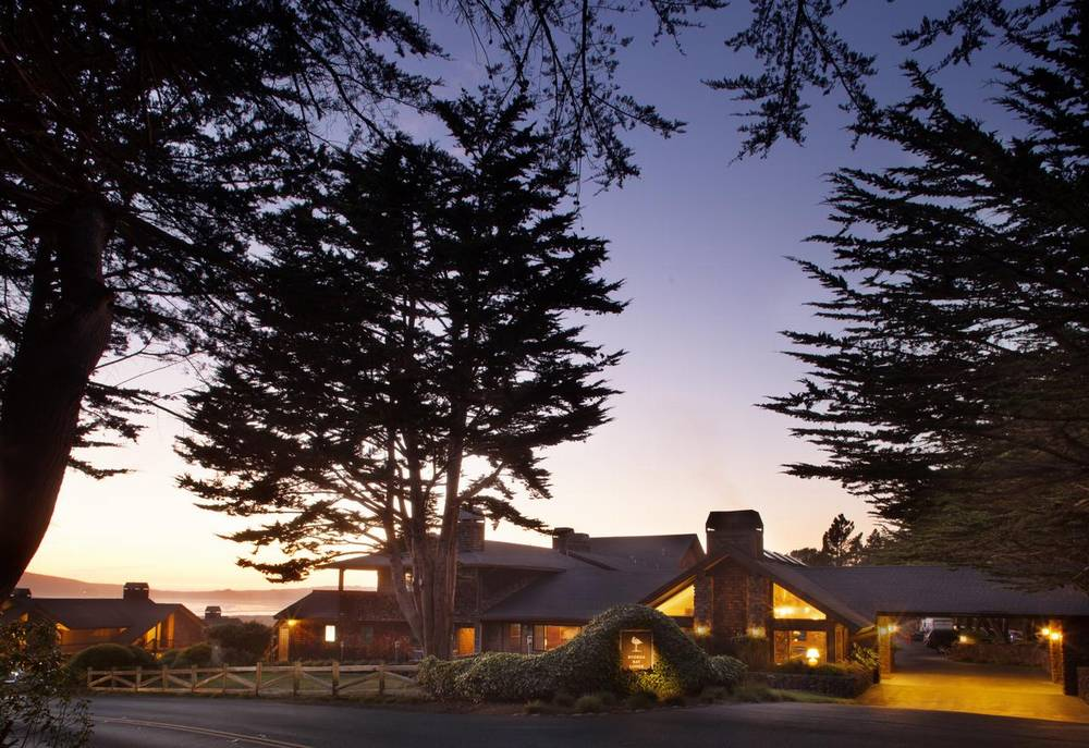 отель рядом с форт росс