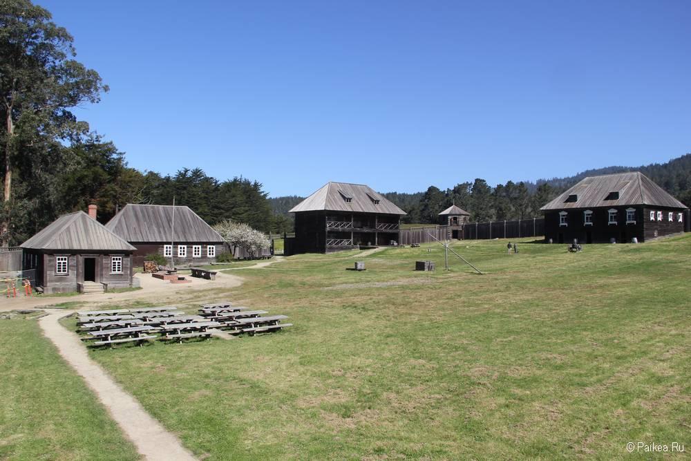 Строения на территории форта
