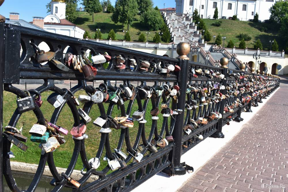 Замки любви на Пушкинском мосту, Витебск