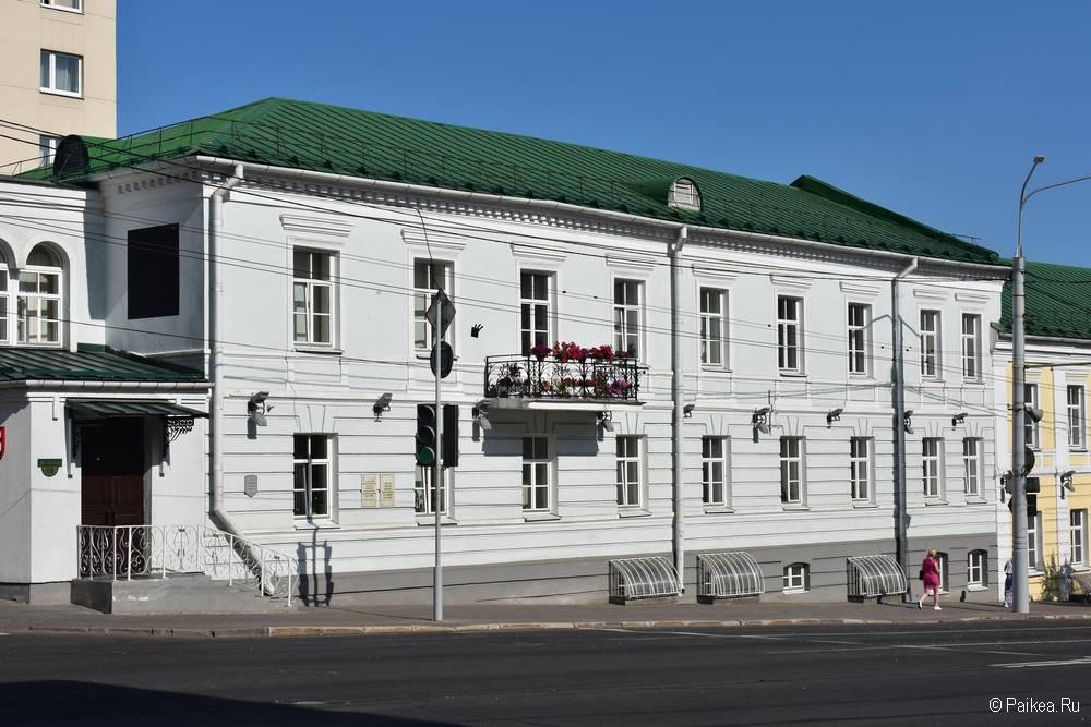 Поездка в Витебск - дом с балконом