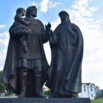 Поездка в Витебск - что посмотреть - Памятник князю Александру Невскому с женой и сыном