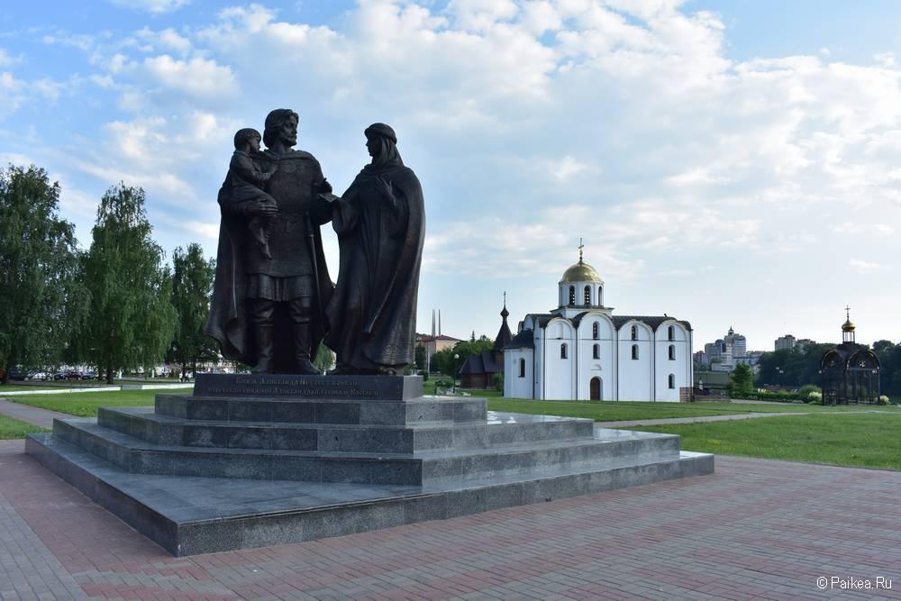 Памятник Александру Невскому в Витебске